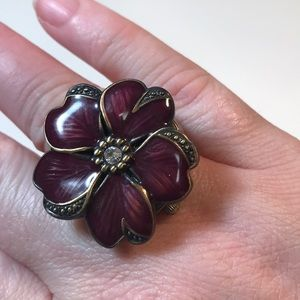Dark purple flower stretch clock ring untested